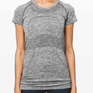 Swiftly Tech lululemon shirt size 4 Heathered gray
